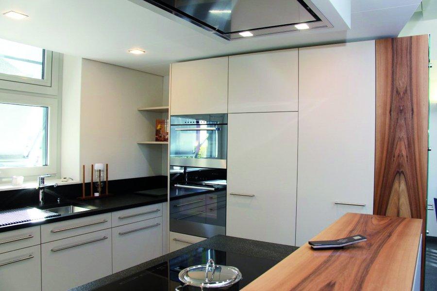 berchtold k chen stans nidwalden neuheiten in unserer ausstellung. Black Bedroom Furniture Sets. Home Design Ideas